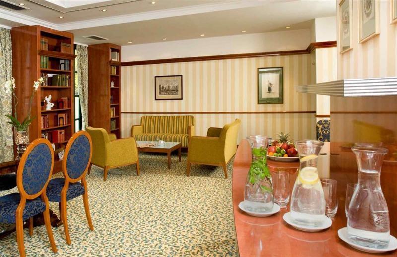 Mercure Grand Hotel Biedermeier Wien (مركور گرند هتل بیدرمیر وین)  General view