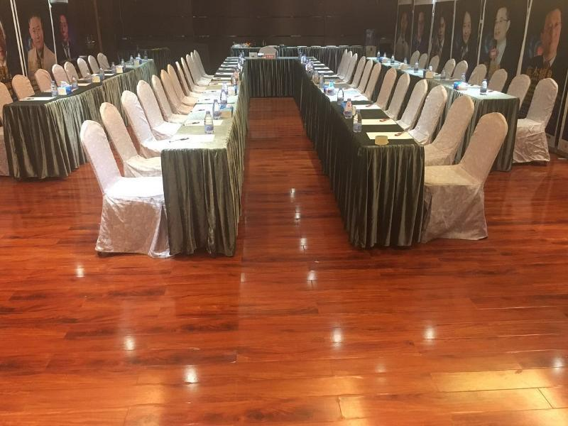 Vienna Classic Hotel Zhongshan Ave Tangxia Branch (وین كلاسیك هتل ژونگشان آو تانگکسیا برانچ)  Conferences
