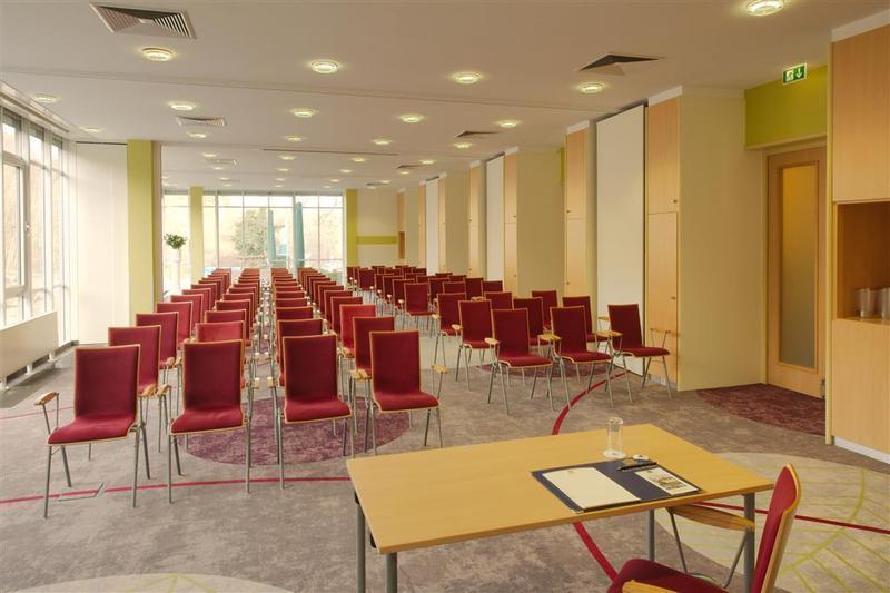 Best Western Premier Hotel Villa Stokkum (بست وسترن پرمیر هتل ویلا استوکوم)  Conferences