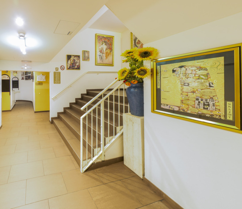 A&t Holiday Hostel (آ&ت هالیدی هاستل)  Lobby