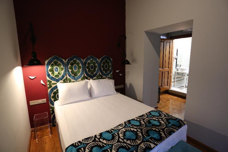 Char Me Boutique Hotel (چار م بوتیک هتل)  Room