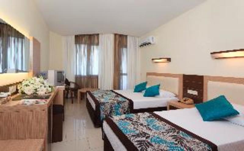 Monart City Hotel (مونارت سیتی هتل)  Room