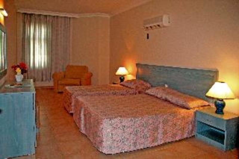 Elysee Garden Family Hotel (الیسی گاردن فامیلی هتل)  Room
