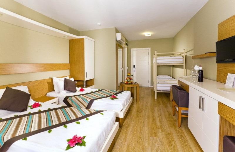 Adin Beach Hotel All Inclusive (آدین بیچ هتل آل اینكلوسیو)  Room