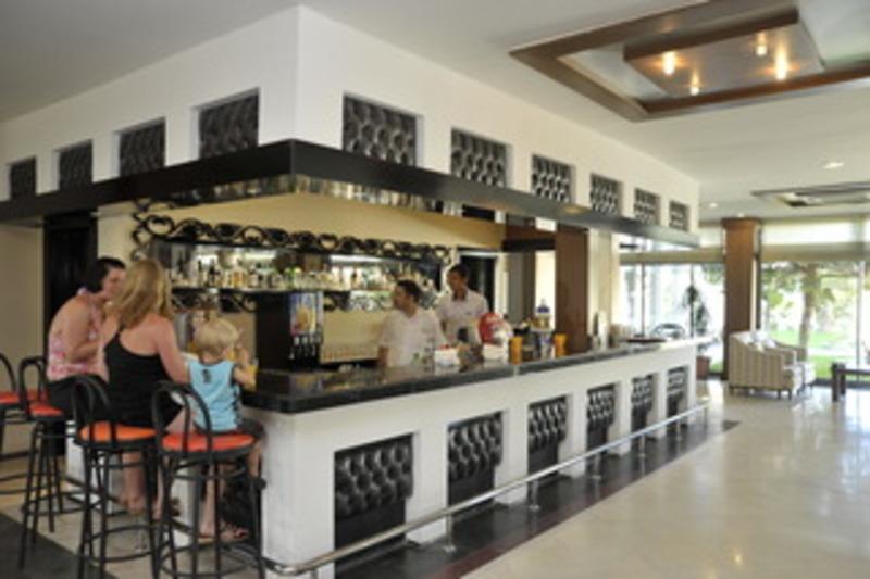 Corolla Hotel (كورولا هتل)  Bar