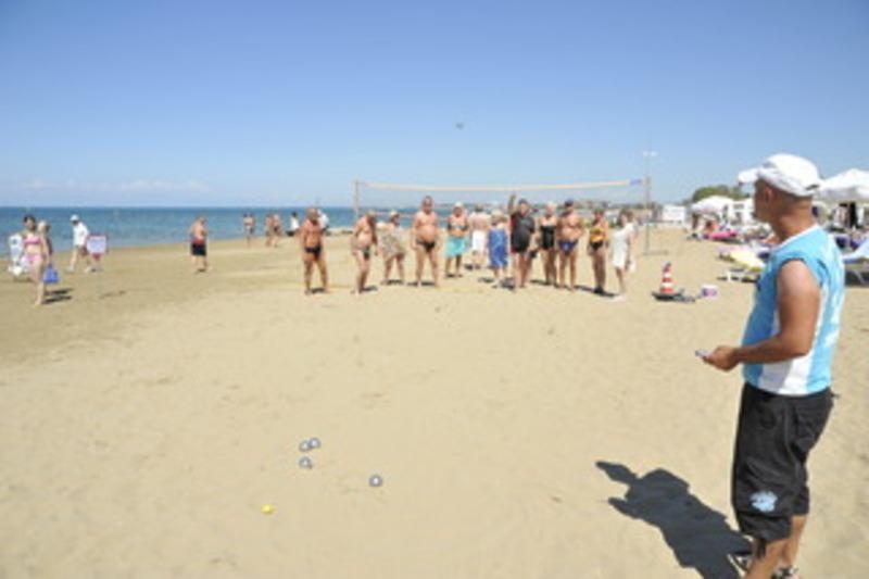 Corolla Hotel (كورولا هتل)  Beach