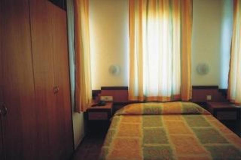 Begonville Apart (بگونویل آپارت)  Room