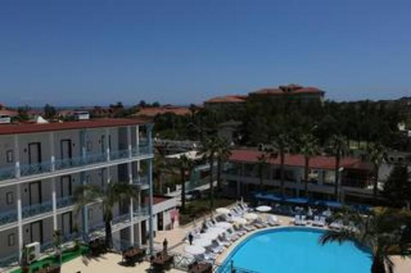 Blue Sky Hotel All Inclusive (بلو اسکای هتل آل اینكلوسیو)  General view
