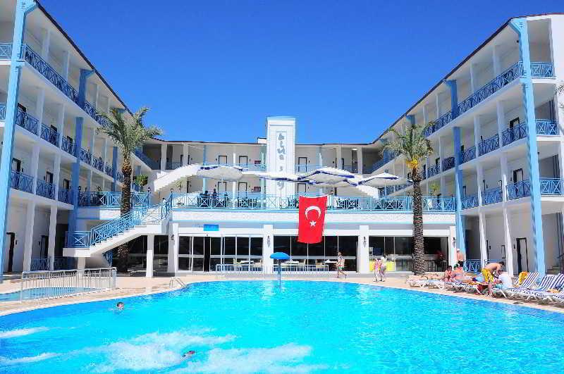 Blue Sky Hotel All Inclusive (بلو اسکای هتل آل اینكلوسیو)  Pool