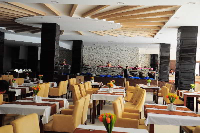 Blue Sky Hotel All Inclusive (بلو اسکای هتل آل اینكلوسیو)  Restaurant