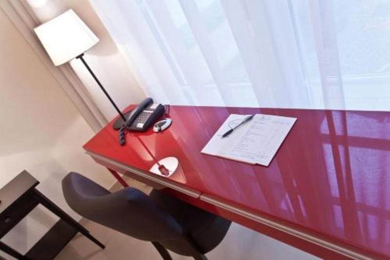 Hotel Spiess & Spiess (هتل اسپیس و اسپیس)