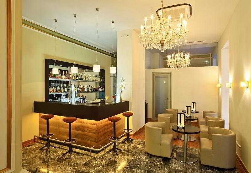 Kummer (كومر) Bar