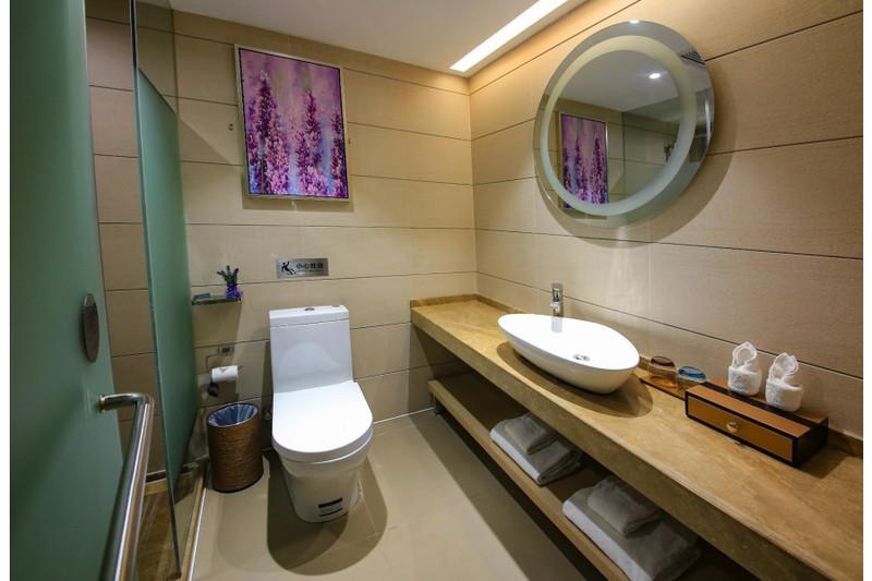 Lavande Hotel Guangzhou South Railway Station Huijiang Subway Station