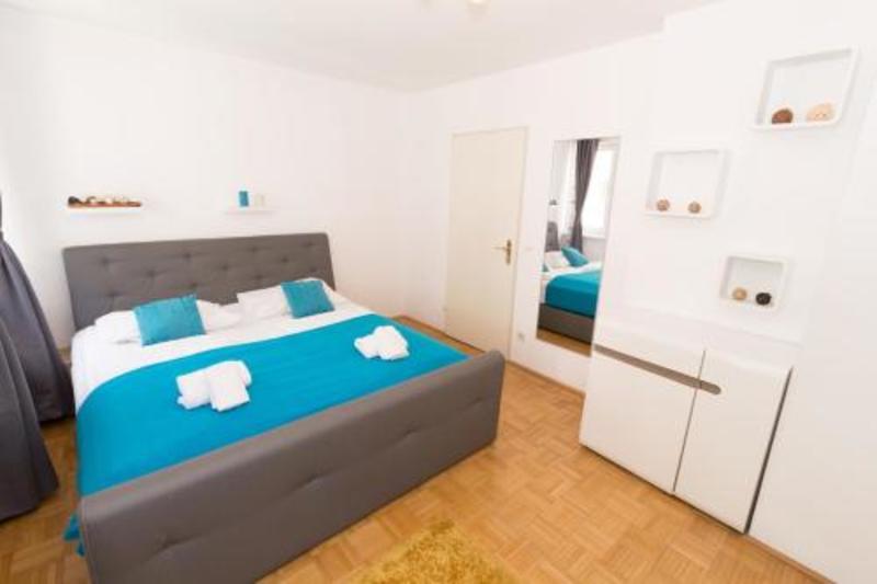 Checkvienna Apartment Wichtelgasse (چکوینا آپارتمان ویچتلگاس)  Hotel Description