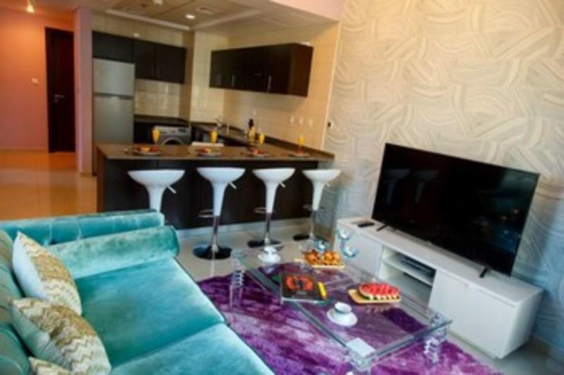 Furnished Apartment In Dubai Marina (فرنیشد آپارتمان این دبی مارینا) Living Room