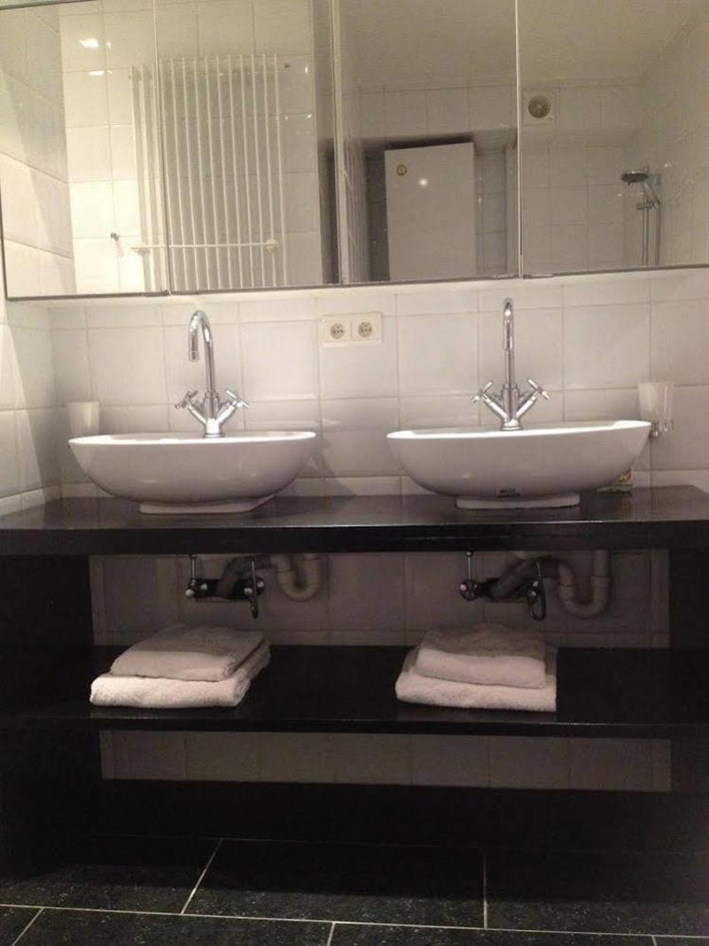 Fishmarket Bnb Bathroom