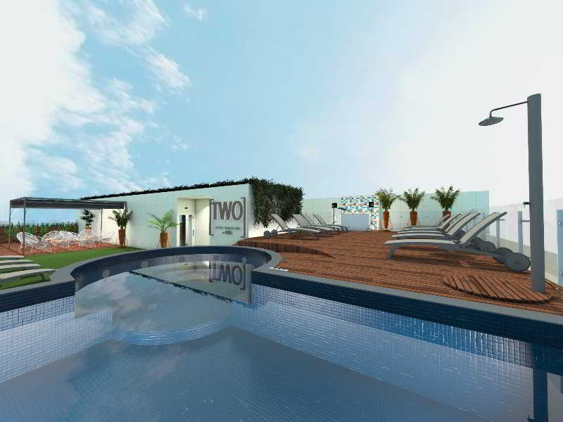 Two Hotel Barcelona By Axel Pool