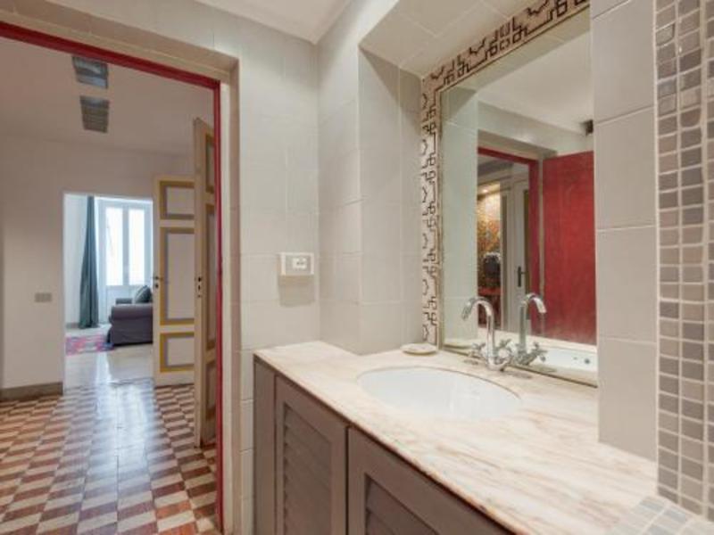 Farnese Stylish Apartment Romeloft (فارنس استیلیش آپارتمان روملوفت)