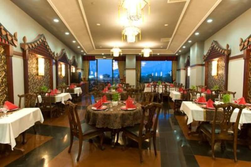 Delphin Palace Hotel (دلفین پالاس هتل)