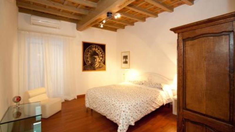 Bernini Apartment (برنینی آپارتمان)