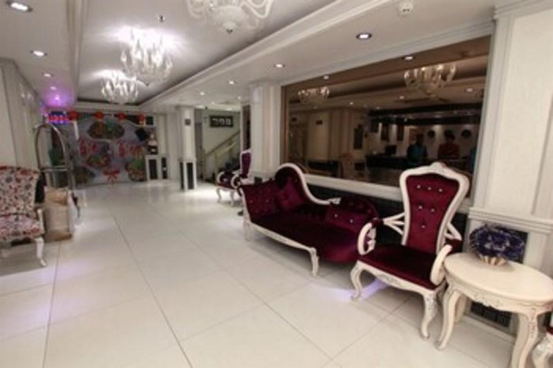 White Fort Hotel (وایت فورت هتل)  Lobby Sitting Area