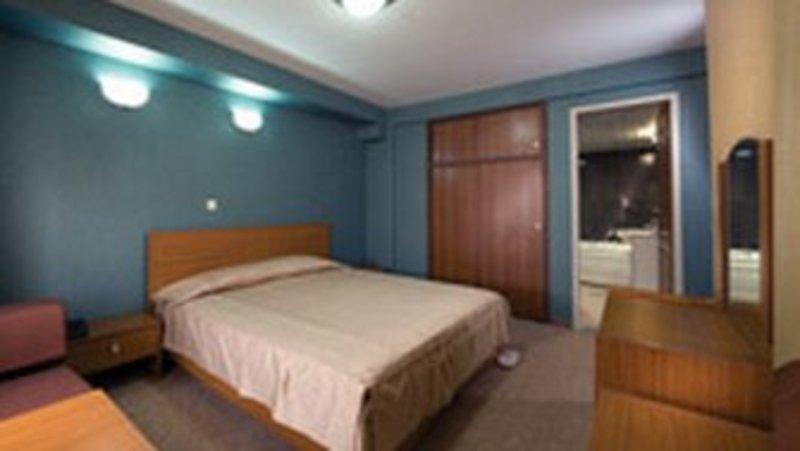 Gostaresh Tabriz Hotel (گوستارش تابریز هتل)